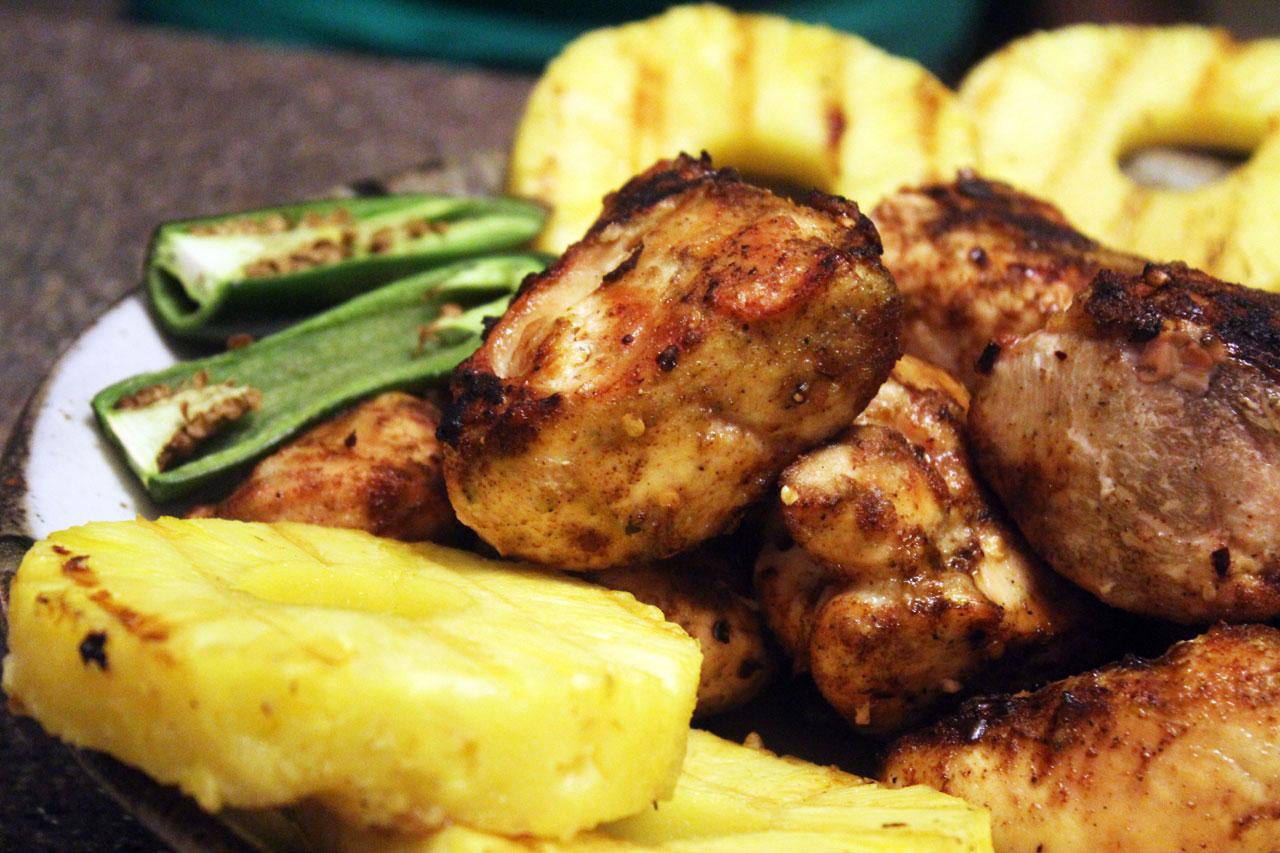 Delícia jamaicana à base de frango | foto: reprodução internet