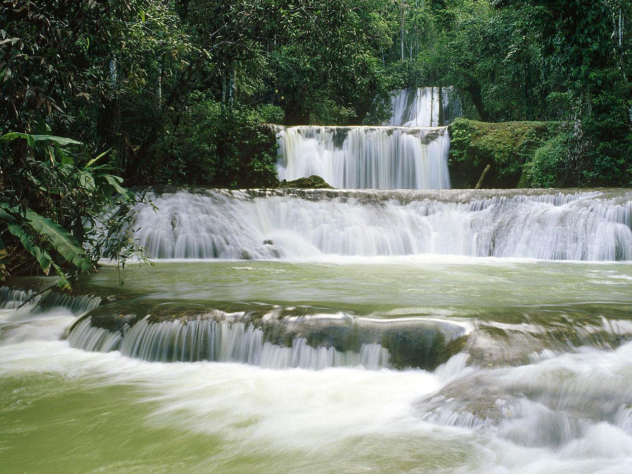 YS Falls Cascades, uma das belezas da Jamaica. Foto: reprodução internet