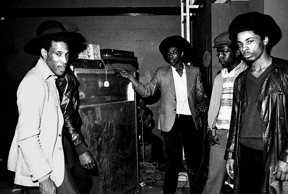 Alton Ellis gravou a música Dance Crasher, que tinha os rude boys como tema central. | foto: reprodução internet