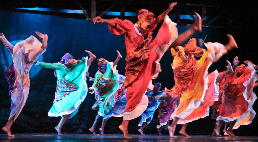 Apresentação de kumina, dança típica jamaicana e derivada do Congo.  |  foto: reprodução internet