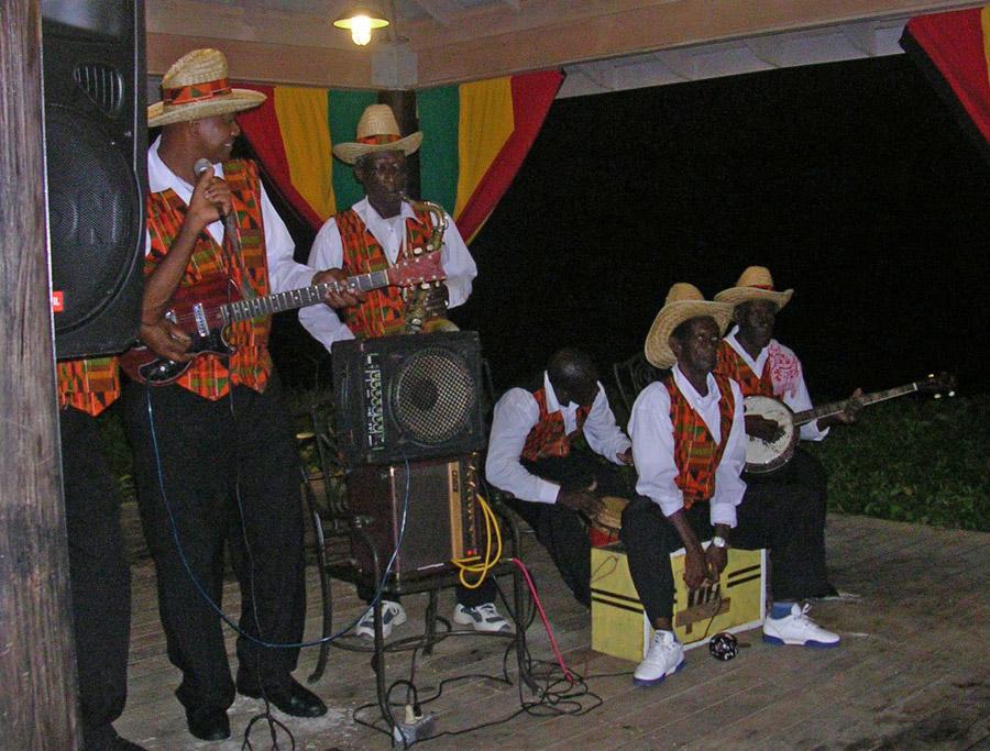 Uma banda tradicional de mento, o primeiro gênero musical jamaicano. | foto: reprodução internet