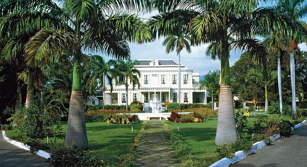 A mansão Devon House, ponto turístico aberta à visitação, que abriga restaurantes e lojas de artesanato.  |  foto: reprodução internet
