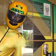No parque Rainforest, em Ochio Rios, há um pequeno museu que conta a história do Bobslead jamaicano. - Foto: Laerte Brasil