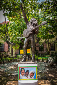 Estátua no Bob Marley Museum  |  foto: Kadu Pinheiro | Jamaica Experience