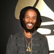 """Ziggy Marley desbancou concorrentes """"de peso"""" e mais uma vez levou o Grammy de melhor disco de reggae do ano."""