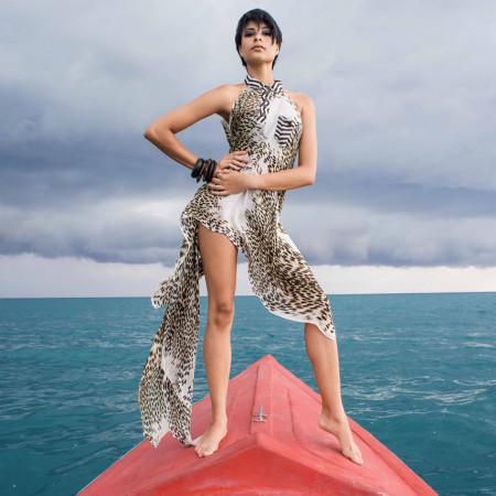 Posando para editorial de moda | foto: reprodução internet