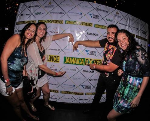 Como sempre acontece em bons shows de reggae, o público compareceu em peso e deu um toque todo especial à festa. Diferentes estilos, uma só vibração. One Love! | Foto: Alan Alves - Jamaica Experience