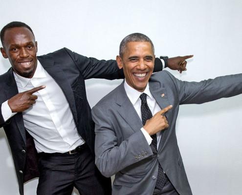 O presidente dos Estados Unidos, Barack Obama, e o velocista Usain Bolt posam juntos em Kingston, Jamaica. | foto: divulgação oficial da Casa Branca | Pete Souza