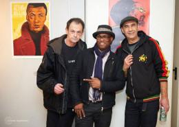 Da esquerda para a direita: Iosif Vager, artista veterano de reggae na Grécia, Michael 'Freestylee' Thompson e Rankin Johnny. | foto: divulgação