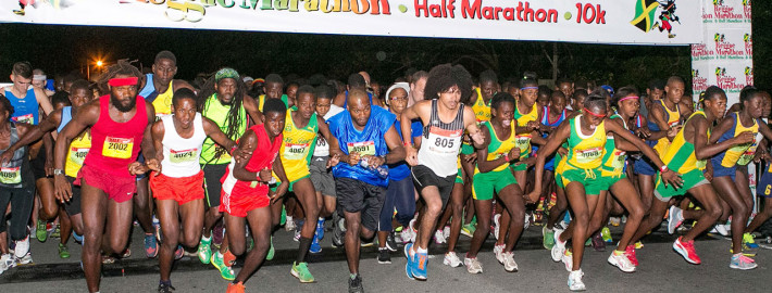 Largada da Reggae Marathon, em Negril. | foto: divulgação Reggae Marathon